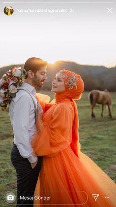Red Wedding Gowns, Muslim Wedding Dresses, Muslim Brides, Bridal Hijab, Wedding Hijab, Muslim Couple Photography, Wedding Photography Poses, Cute Muslim Couples, Cute Couples