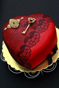 You've got the key to my heart - by laskova @ CakesDecor.com - cake decorating website