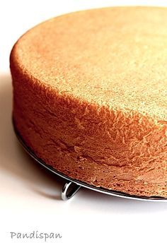 by LauraAdamache The Classic Sponge Cake Classic Sponge Cake Recipe, Sponge Cake Recipes, Cookie Recipes, Aniversary Cakes, Romanian Desserts, Mango Cake, Steamed Cake, Delicious Deserts, Food Cakes