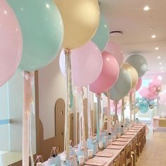 58 New ideas for brunch party decorations balloons Brunch Party Decorations, Balloon Decorations Party, Baby Shower Decorations, Rainbow Birthday Decorations, Party Ballons, Balloon Display, Balloon Centerpieces, Baby Decor, Ballons Pastel
