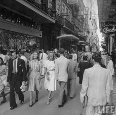 R do Ouvidor 1941 - Nesse flagrante dos arquivos da Life mostra os a elegante rua do Ouvidor em 1941.