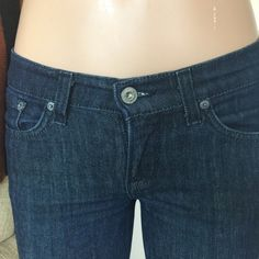 -GR LUCKY BRAND Bootcut ZOE Jeans Sz 6 W28 L33 From GRACELAND TV Show wardrobe. May have been used by cast or extras to film a scene. This item seems used once. Has no price tags.  Label- Lucky Brand Zoe Jeans -  Shown on a size 4 mannequin Size- 6 W28 Length-33 Rise-8 low but not crazy low. Tight on thigh slight flare at calf.  Style-Bootcut Matte silver rivets. Medium Denim wash, Regular low rise, Flap back pockets.  Fabric-94%Cotton 6%Spandex Condition-See item details.  Looks worn and…