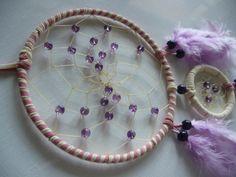 Amethyst  im rosa - weißen  Traumfänger von Dreamcatcher calidad - buena suerte - piedras de la suerte! auf DaWanda.com