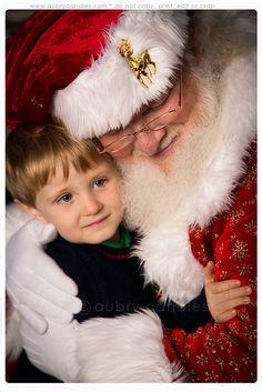 I love this sweet Santa photo!      SantaLoveStreet2012-314