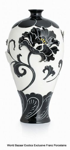 CP00041 Peony Franz Porcelain L Mei Vase Flower Design Black White Exclusive