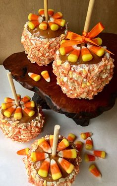 Items similar to Gourmet Rice Krispie Treats Caramel Apple -Fall Party, Thanksgiving, Fall Party Favors, Hostess Gift on Etsy Halloween Desserts, Halloween Candy Apples, Halloween Diy, Köstliche Desserts, Delicious Desserts, Gourmet Caramel Apples, Apple Caramel, Vanille Cupcakes, Chocolate Covered Apples