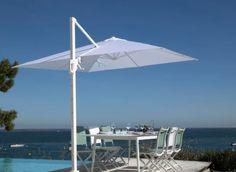 aurinkovarjossa ja kalusteissa. #aurinkovarjo #puutarhakalusteet