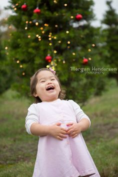 Raleigh Durham Christmas tree farm holiday mini sessions