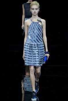 Emporio Armani, navy dress, primavera verano 2015, spring summer 2015, semana de la moda de Milán , Milano fashion week.