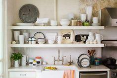 Phòng bếp là nơi giup viec gia dinh thực hiện công việc nấu nướng và cất giữ đồ ăn. Vì thế, nó có mối liên hệ mật thiết tới sức khỏe của con người. Nếu không giữ gìn vệ sinh thì rất dễ phát sinh các mầm bệnh có hại.