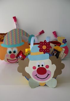 Diy And Crafts, Crafts For Kids, Arts And Crafts, Kids Gift Bags, Theme Carnaval, Carnival Crafts, Purim Costumes, Handmade Birthday Cards, Preschool Activities