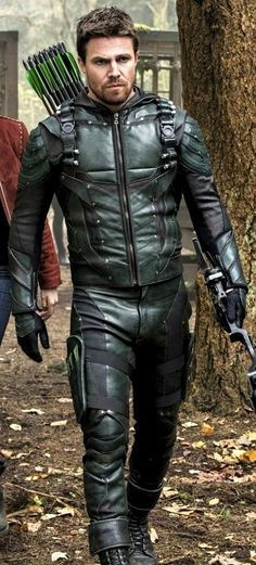 Stephen Amell as Green Arrow (Oliver) Arrow Serie, Arrow Tv Series, Marvel Avengers, Green Arrow Costume, Green Arrow Cosplay, Oliver Queen Arrow, Stephen Amell Arrow, Actrices Sexy, Hot Guys