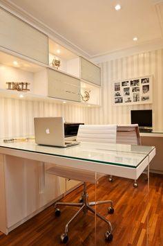 Home Office com p& em acr& 02 Office Cabin Design, Small Office Design, Dental Office Design, Office Furniture Design, Office Interior Design, Office Interiors, Corporate Office Design, Doctors Office Decor, Medical Office Decor