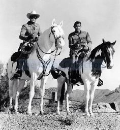 The Lone Ranger and Tonto (also Silver and Scout). Did you know that TONTO means STUPID in Spanish? Jay Silverheels never liked the name for obvious reasons./ I loved this show growing up. O Cowboy, Western Cowboy, Radios, Cowboys And Indians, Real Cowboys, The Lone Ranger, Tv Westerns, Vintage Tv, Vintage Horror