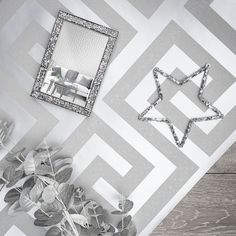 An array of Silver for this mood board look. Who adores getting creative with different textures and styles?