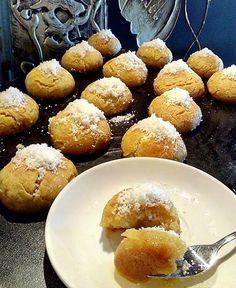 Greek Sweets, Greek Desserts, Greek Recipes, Oreo Pops, Yams, Confectionery, Pretzel Bites, Biscuits, Muffin