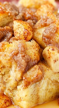 Overnight Cinnamon Apple Baked French Toast Casserole ~ Perfect for the holidays. - Overnight Cinnamon Apple Baked French Toast Casserole ~ Perfect for the holidays and would be great - Baked French Toast Casserole, Best Breakfast Casserole, What's For Breakfast, Breakfast Dishes, Baked French Toast Overnight, Crockpot French Toast, Baked Breakfast Recipes, Perfect Breakfast, French Toast Caserole