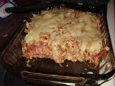 A combination of salty corned beef, lip puckering sauerkraut and creamy cheeses come together to form a comforting and filling Keto Reuben Casserole. Mcdonalds Sweet Tea, Reuben Casserole, Casserole Recipes, Low Carb Recipes, Snack Recipes, Low Carb Meats, Low Carb Casseroles, Creamy Cheese, High Protein Low Carb