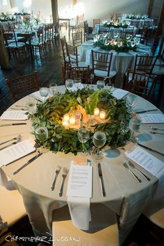 Wedding Ideas » COLOR OF THE YEAR 2017 – Greenery Wedding Centerpiece Ideas » Perfect Greenery wedding centerpiece for a round table