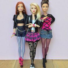 Rock chic style! #barbie #barbiemadetomove #madetomovebarbie #madetomove #barbiefashionista #lagirlbarbie #dollclothes #rockchic #punkdoll #leatherjacket #barbiephotogallery #instadoll