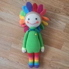 This is so happy: Sunflower Sam modification made by Vero C - crochet pattern by Zabbez