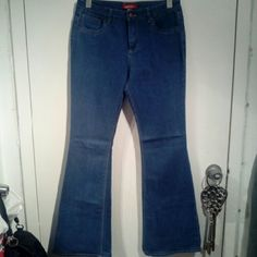 Sky high waisted wide leg jeans. Great condition worn once. These look amazing on has that 70s style look to them perfect with a crop top and some wedges. Firm fitting but stretchy. Fit best size 6/8 Forever 21 Jeans Flare & Wide Leg