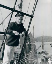 PETER O'TOOLE ON SET RARE PHOTO EARLY 1970'S