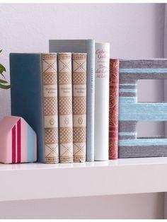 buchst tzen selber machen ziegelsteine buchst tze und buchregale. Black Bedroom Furniture Sets. Home Design Ideas