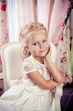 Anastasia Orub (born May 15, 2008) Russian child model. Marina Malina Photography.