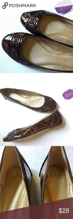 EUC Isola Patent Leather Tortoise Flats EUC Isola tortoise patent leather flats will work with any outfit! Pair beautifully with skinny jeans or work pants. Leather upper is pristine - soles shoe light scuffs from 2 wears. Grab these quick! Fit a little snug - closer to 9. Isola Shoes Flats & Loafers