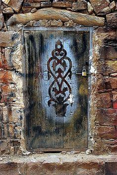Yemen, old wooden door, entrance, doorway, weathered, aged, cracks, details, ornaments, beauty, photo