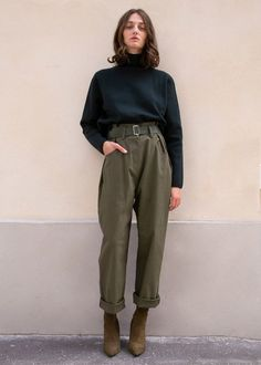 Outfits mit Baggy Pants, die den kalten Shake machen, Promod Overall aus Denim PromodPromod Linen trousers High waisted pants Korean fashion baggy Fashion Mode, Look Fashion, Korean Fashion, 90s Fashion, Normcore Fashion, Winter Fashion, Womens Fashion, Petite Fashion, French Fashion