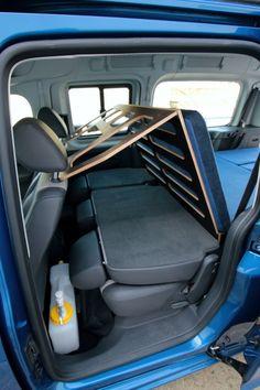 Caddy Maxi life backrest – goes down to make bed Caddy Maxi life backrest – goes down to make bed - Creative Vans Vw Caddy Maxi Life, Minivan Camper Conversion, Car Camper, Mini Camper, Volkswagen Caddy, Minivan Camping, Caddy Camping, Caravelle T5, Caddy Van