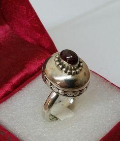 Vintage Ringe - Nostalgischer Ring Silber 925 mit Granat SR749 - ein Designerstück von Atelier-Regina bei DaWanda