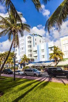 En el extremo sur de #SouthBeach, en #Miami, se encuentra el reconocido Distrito #ArtDeco. Construcciones llenas de colores que desde hace 100 años llenan de vida los paisajes de esta gran ciudad del estado de #Florida.  http://www.bestday.com.mx/Miami-area-Florida/ReservaHoteles/