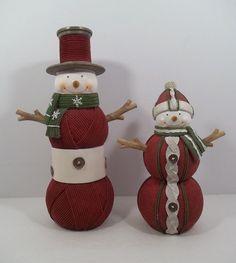 SNOWMAN COUPLE - MOLDED RESIN YARN LOOKALIKE - ADORABLE!