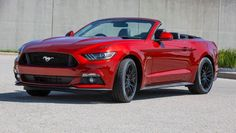 Ford Mustang is the World's Best-Sold Sportscar in Customers Registered over Cars 2015 Ford Mustang Convertible, 2015 Mustang, Ford Mustang Gt, Ford Gt, King Sport, Pony Car, Car Ford, Ford Motor Company, Toyota Corolla