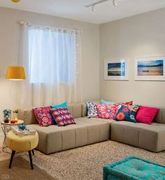 Having small living room can be one of all your problem about decoration home. To solve that, you will create the illusion of a larger space and painting your small living room with bright colors c… Small Living Rooms, Home Living Room, Living Room Designs, Living Room Decor, Decoration Design, Deco Design, Boho Home, Home And Deco, Home Interior Design