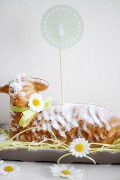 Osterlammele or little lamb cake - traditional Alsatian recipe.