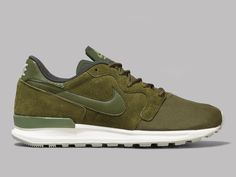 half off 9db16 4669d Nike Air Berwuda Premium (Legion Green   Legion Green   Sequoia   Sail)