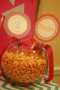 Goldfish crackers in a fishbowl for Bubble Guppies party