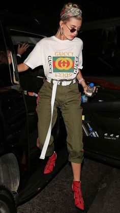 38 Hailey Baldwin Styles Outfits To Get Hailey Baldwin's Look Grunge Outfits, Edgy Outfits, Cool Outfits, Fashion Outfits, Womens Fashion, Fashion Tips, Fashion Killa, Look Fashion, Street Fashion