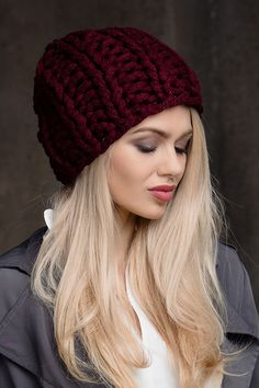 Danna шапка - купить оптом с доставкой по Москве и России. Примеры фото и разнообразие цветов!