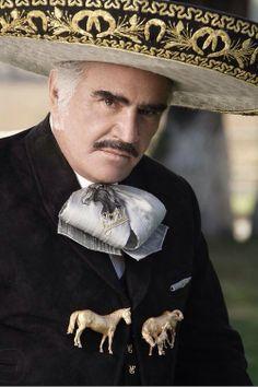 El ídolo de México Vicente Fernández. México's last living Music Legend.