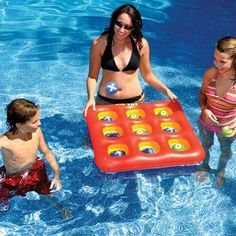 Tic tac toe in the pool