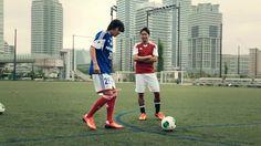 interesting exchange between the 2 players Shinji Kagawa, Soccer, Football, Ads, Youtube, Athlete, Futbol, Futbol, European Football