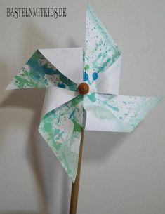 Fazendo um moinho de vento - artesanato com crianças . Easter Crafts For Kids, Fall Crafts, Children Crafts, Pom Pom Crafts, Homemade Christmas Gifts, Pop Up Cards, Potpourri, Kids And Parenting, Boho Hippie