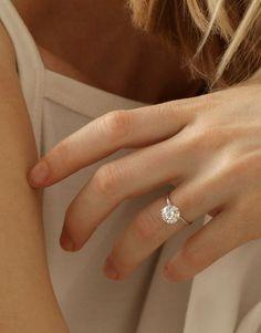 VOW: Vrai & Oro Wedding 2ct Solitaire Diamond Engagement Ring, 18k White Gold