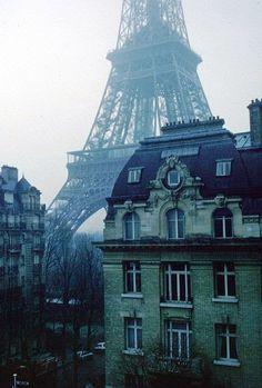 WINTER MORNING IN PARIS.