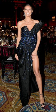 Shirred Dress, Belted Dress, Big Girl Fashion, Curvy Fashion, Heidi Klum Legs, Leni Klum, Midnight Blue Gown, Mein Style, Curvy Outfits